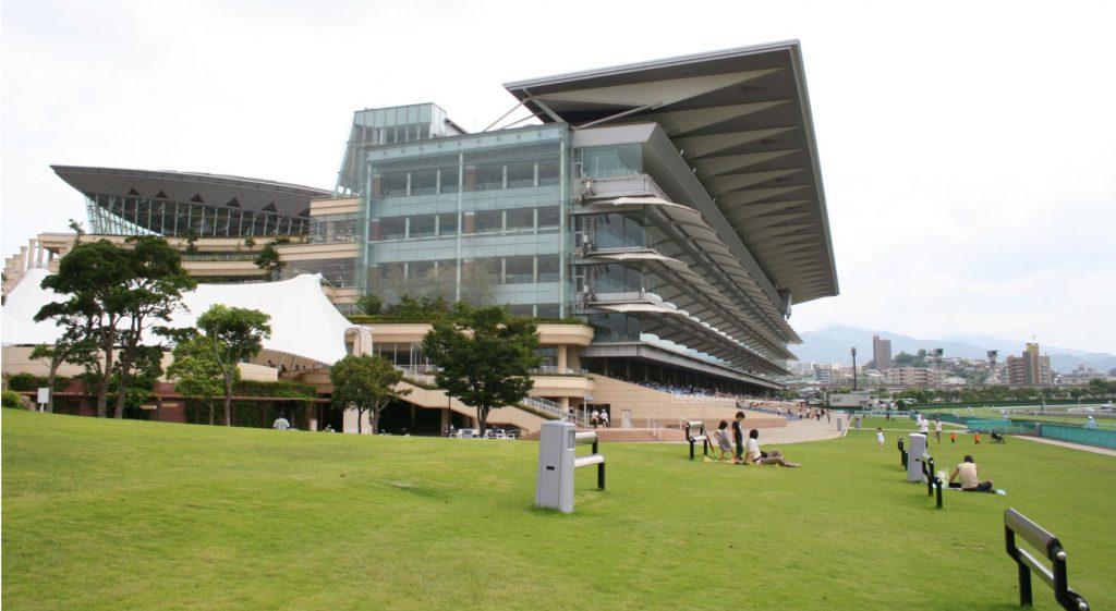 kokura_racecourse_main_stand_20080817